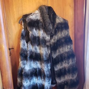 Jennifer Lopez EXTREMELY warm Faux fur vest Large